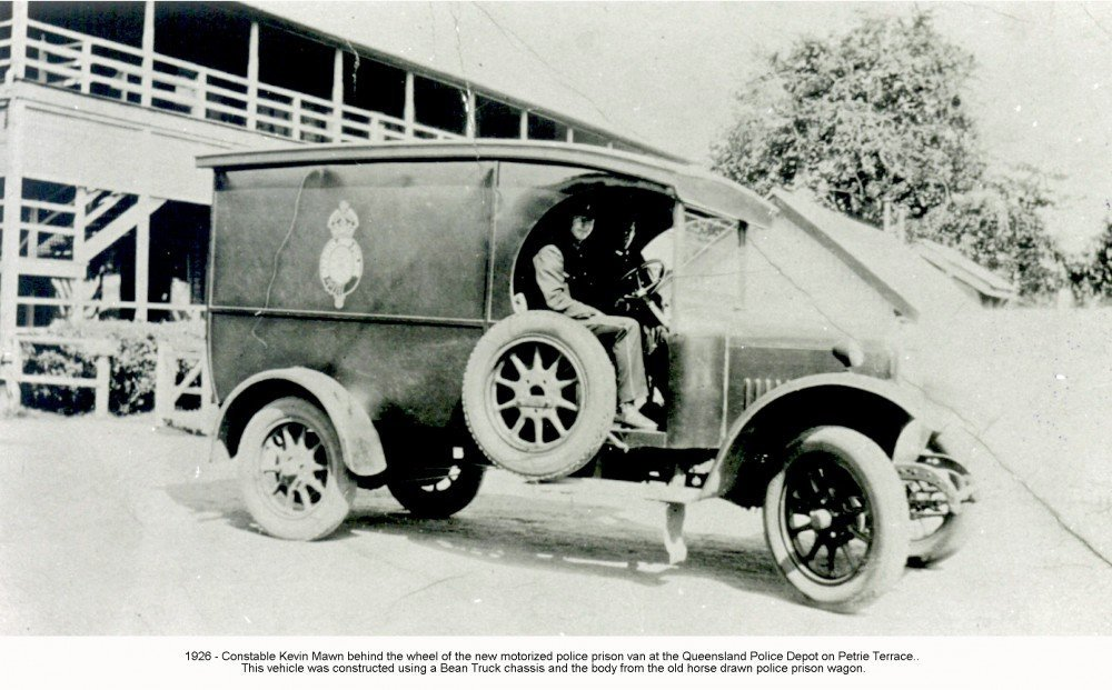FROM THE VAULT - Police cars, how times have changed - Museum