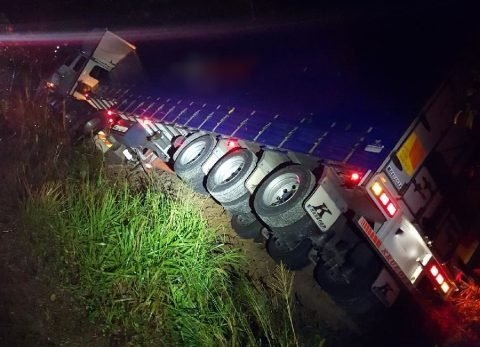 Truck crash to close Bruce Highway in Innisfail, QLD | Mirage News